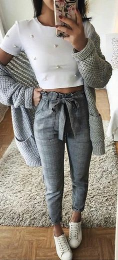 #spring #outfits white crew-neck crop top with grey pants. Pic by @chaseoutfits