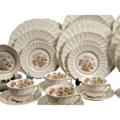 Royal Doulton Grantham D5477 DISCONTINUED Set for 8 Beautiful