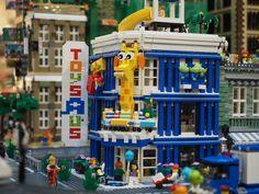 Toys R Us by Brickfinder