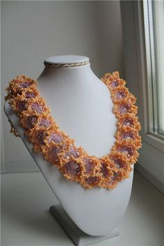 Огалала. Витая в облаках. | biser.info - всё о бисере и бисерном творчестве Bead Jewellery, Beaded Jewelry, Jewlery, Beaded Necklace, Necklaces, Ruffle Beading, Right Angle Weave, Beading Projects, Bracelet Tutorial