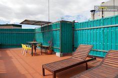 COCOON BARCELONE APPARTEMENTS - Coup de coeur pour cet appart  lumineux avec terrasse idéalement situé tout proche du quartier branché El Born. 2 chambres doubles (dont une avec 2 lits singles), grand living avec cuisine & salle de bain indépendante. Déco créative. La terrasse sur le toit (accès par la cage d'escalier) est orientée sud et offre une vue panoramique sur Barcelone.