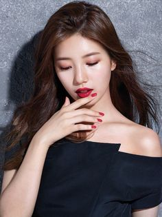 Suzy Shows The Perfect Lipstick Shade in 'The Face Shop' Pictorial The Face Shop, Bae Suzy, Korean Beauty, Asian Beauty, Natural Beauty, Asian Woman, Asian Girl, Deep Red Lipsticks, Miss A Suzy