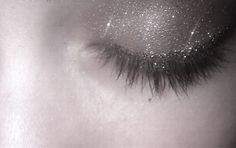 ultra fine oyster grey veil of glitter on lid eye makeup
