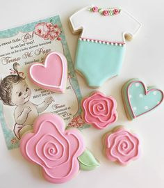 Sweet baby shower cookies by Glorioustreats. Love the onesie! Cookie Bouquet, Flower Cookies, Heart Cookies, Valentine Cookies, Easter Cookies, Birthday Cookies, Baby Shower Sweets, Baby Shower Cupcakes, Macaroons Christmas