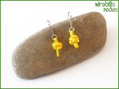 Wunderschöne SchmuckKNOTEN als Ohrhänger - diese einzigartigen Werke gibt es nur bei mir. Sei individuell - trage Knoten :)  Die gelben Knoten si...