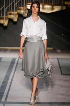 See the complete Tod's Spring 2014 Ready-to-Wear collection.