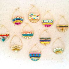 Easy Diy Idea: Ohrringe mit Aluminiumdraht und Perlen - diy jewelry To Sell Ideen Wire Earrings, Earrings Handmade, Handmade Jewelry, Diy Seed Bead Earrings, Feather Earrings, Round Earrings, Pearl Earrings, Seed Bead Jewelry, Beaded Jewelry