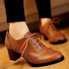 New Womens Brogue Lace Up Low Thick Heel Oxfords