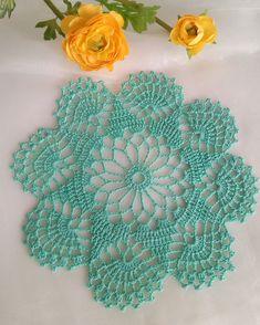 Very nice pattern, easy to crochet. Crochet Dollies, Crochet Doily Patterns, Crochet Diagram, Crochet Squares, Thread Crochet, Crochet Motif, Crochet Designs, Crochet Flowers, Crochet Carpet