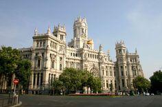 Jesen 2015 >> Madrid << Polazak 11.11.2015. - 4 noći. Aranžman obuhvata avion + smeštaj + transfer. Cena 355 €. Više informacija putem linka: http://eurojet.rs/evropski-gradovi/spanija/madrid/index/9530/madrid---novembar.html?look=