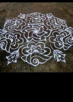Simple Rangoli Border Designs, Indian Rangoli Designs, Rangoli Designs Latest, Rangoli Designs Flower, Small Rangoli Design, Rangoli Patterns, Rangoli Ideas, Rangoli Designs With Dots, Rangoli With Dots