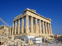 8 Great Tips For Visiting The Acropolis - Miss Adventures Abroad Mykonos, Santorini, Athens Acropolis, Athens Greece, Greek Parthenon, Oh The Places You'll Go, Places To Travel, Places To Visit, Greece Tours