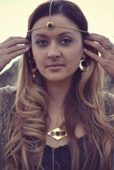 MAJESTIC MOONLIGHT Handcrafted Brass Druzy Head Chain