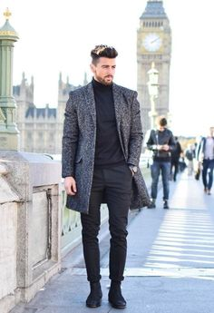 If you are in the market for brand new men's fashion suits, there are a lot of things that you will want to keep in mind to choose the right suits for yourself. Below, we will be going over some of the key tips for buying the best men's fashion suits. Man Street Style, Men Street, Stylish Men, Men Casual, Casual Winter, Winter Formal Men, Smart Casual, Daily Fashion, Mens Fashion