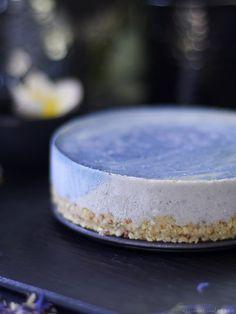 Blue Surf Cake via @audreysnowe