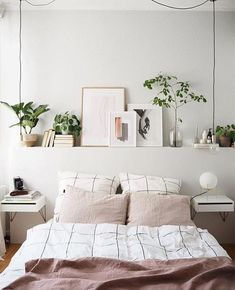 4 pasos para decorar un dormitorio acogedor Room Ideas Bedroom, Small Room Bedroom, Home Decor Bedroom, Home Decor Kitchen, Unique Home Decor, Cheap Home Decor, Fall Home Decor, Aesthetic Room Decor, Home Decor Trends