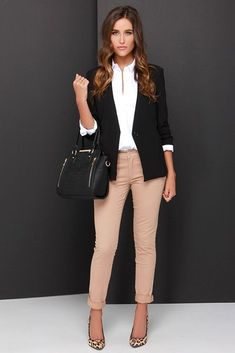 summer work outfits curvy - business professional outfits for interview Business Professional Outfits, Business Casual Outfits For Women, Casual Work Outfits, Winter Outfits For Work, Mode Outfits, Work Casual, Fashion Outfits, Outfit Work, Chic Outfits