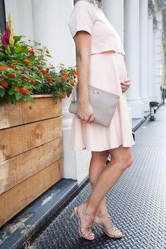 Bump Chic! Awesome stylish maternity dress.