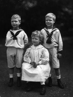 The three eldest children of George V and Queen Mary - L-R: Bertie (later George VI), Princess Mary, and David (later Edward VIII)