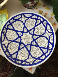 Mais China Painting, Ceramic Painting, Ceramic Art, Pottery Painting Designs, Pottery Designs, Turkish Tiles, Turkish Art, Hand Painted Plates, Hand Painted Ceramics