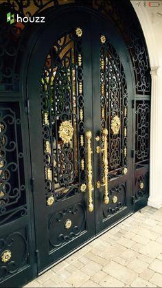 Now youre talking House Gate Design, Room Door Design, Grand Entrance, Entrance Doors, Black Front Doors, Wrought Iron Doors, Cool Doors, Main Door, Double Doors