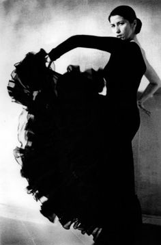 flamenco dress worn by Laura Torricini dancer - Spain