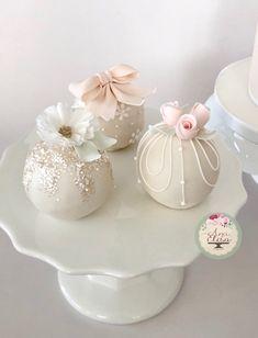 Sphere Cakes and Sugar Flowers Mini Wedding Cakes, Wedding Cake Pops, Mini Cakes, Cupcake Cakes, Pretty Cakes, Cute Cakes, Beautiful Cakes, Amazing Cakes, Cake Pop Decorating