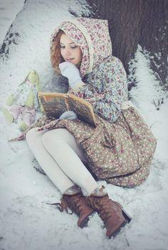 whispers of rosy winter . X ღɱɧღ Mori Girl Fashion, Dark Mori, Forest Girl, Winter's Tale, Girl Inspiration, Japanese Fashion, Winter Wonderland, Fairy Tales, Whimsical