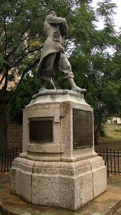 Alata (Corse-du-sud, France).Statue du Sergent Casalonga (1877-1904 )