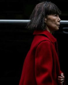#reikawakubo #commedesgarcons #incommedesgarcons Dover Street Market, Rei Kawakubo, Comme Des Garcons, Through The Looking Glass, Role Models, Fashion Photo, How To Look Better, Women Wear, Leather Jacket