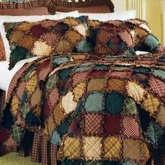 Just an idea to copy / no directions! I love rag quilts! Quilting Projects, Quilting Designs, Sewing Projects, Quilting Ideas, Colchas Quilt, Quilt Blocks, Colchas Country, Rag Quilt Patterns, Hat Patterns
