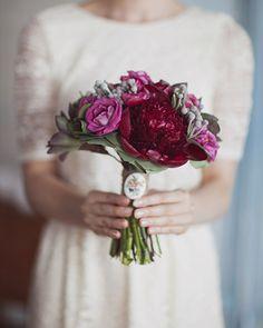violet-peonie-bouquet designcorral.com #bouquets #wedding #peonies