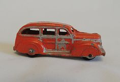 Vintage 1940s Tootsietoy No. 239 Woody Station por cottagetocastle