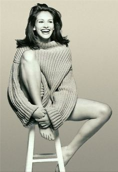 Julia Roberts - will always be pretty woman Model Poses Photography, Photography Women, Inspiration Photoshoot, Fashion Fotografie, Shotting Photo, Look Girl, Female Portrait, Black And White Photography, Beautiful People