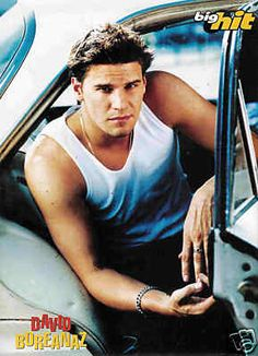 DAVID BOREANAZ... well a very younger him