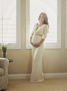 The HONEYBEE // Rachel Pally Henrietta dress c/o Revolve Clothing.. #bumpstyle