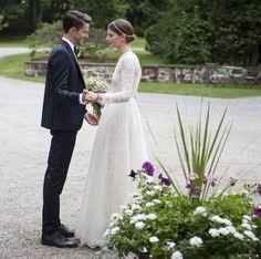 Le mariage de Sara Blomqvist et Jeremy Young http://www.vogue.fr/mariage/inspirations/diaporama/la-robe-valentino-de-sara-blomqvist/19786