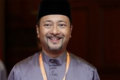 Mukhriz urged Umno members to close ranks so that whatever decision made by the state and federal government will continue to get the support of all parties. — Picture by Yusof Mat Isa