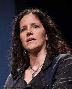 Snowden then contacted documentary filmmaker Laura Poitras in January 2013. According to Poitras, Snowden chose to contact her after seeing her New York Times documentary[ about NSA whistleblower William Binney.