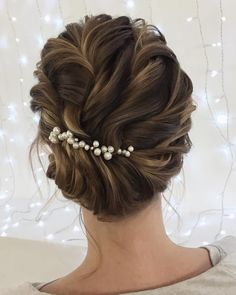Updo bridal hairstyles ,Unique wedding hair ideas to inspire you #weddinghair #hairideas #hairdo #updo #weddinghairstyles#bridalhair