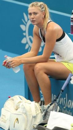Maria Sharapova Age, Height, Bio, Wiki & More - Famous World Stars Maria Sharapova Hot, Sharapova Tennis, Maria Sarapova, Tennis Photography, Tennis World, Professional Tennis Players, Tennis Players Female, Tennis Fashion, Sport Tennis