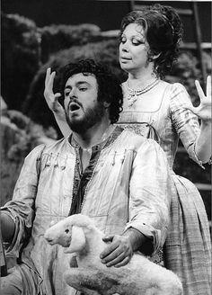 Luciano Pavarotti and Mirella Freni in L'Elisir D'Amore