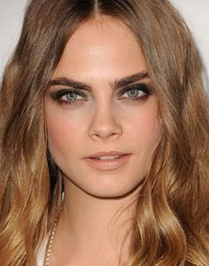 This is how Cara gets her PERFECT eyebrows!