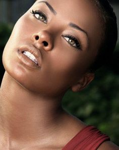 Eva Marcille Pigford was born in Los Angeles, California to an African-American mother and a Puerto Rican father.  She attended Clark Atlanta University in Atlanta, Georgia; however, she left the school shortly after winning the third cycle of America's Next Top Model.