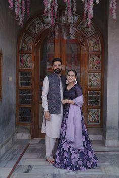 Lehenga Wedding, Sikh Wedding, Punjabi Wedding, Latest Bridal Dresses, Bridal Outfits, Brocade Blouse Designs, Indian Dresses Traditional, Yellow Lehenga, Punjabi Bride