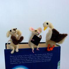 segnalibri bookmarks Felt miniature animal bookmark Woolen dog goose di CozyMilArt