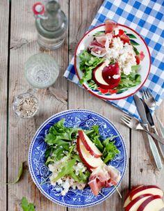 Apetit-reseptit - Feta-pastasalaatti on ruokaisaa. #helpompiarki #vihreaajaterveellista Cobb Salad, Feta, Chicken, Cubs