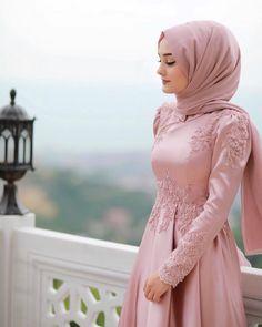 Muslim Evening Dresses, Muslim Wedding Dresses, Evening Dresses For Weddings, Turkish Hijab Style, Hijabi Gowns, Hijab Dress Party, Bridal Hijab, Hijab Fashionista, Moroccan Dress
