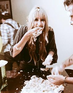 """""""Yo tengo celos que Ashley come todo y no engorda"""" """"Yo tengo celos que a Hanna le hacen un bizcocho"""""""