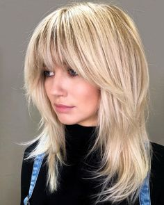 These medium blonde hairstyles prove that being just right doesn't mean being boring. Here are 25 mid-length blonde hairstyles to bring to the salon Medium Length Hairstyles, Medium Shag Haircuts, Shaggy Haircuts, Hairstyles With Bangs, Cool Hairstyles, Blonde Fringe Hairstyles, Korean Hairstyles, Beach Hairstyles, Wedding Hairstyles